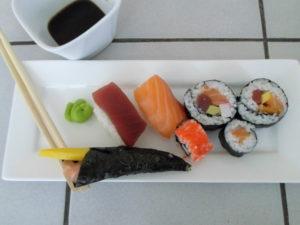 sushi op een bordje