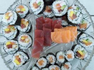 sushi en sashimi schaal